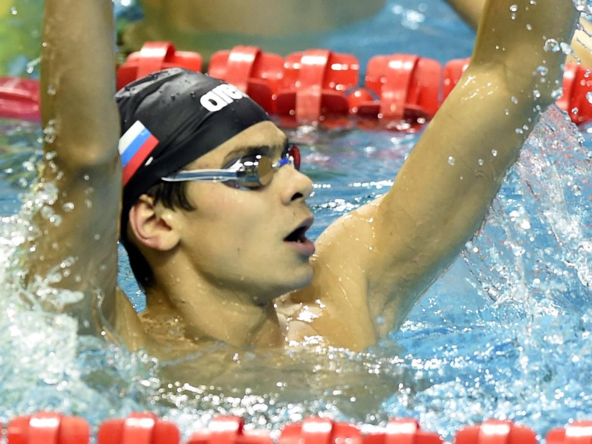 Rylov (19) zwemt naar Europees Record op de 200mrug